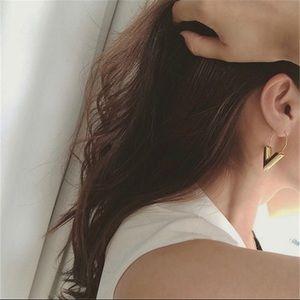 Jewelry - Silver V Drop Earrings
